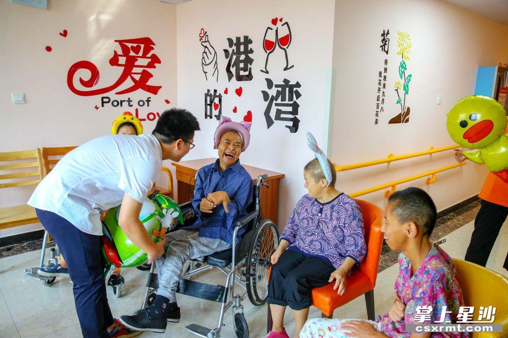 近年来,长沙县不断健全养老服务体系,解决养老难题,提升老年人幸福指数。曾诗怡 摄